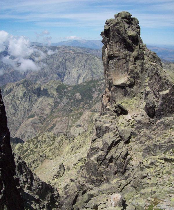 El Cuerno del Almanzor, una formación rocosa cercana al pico